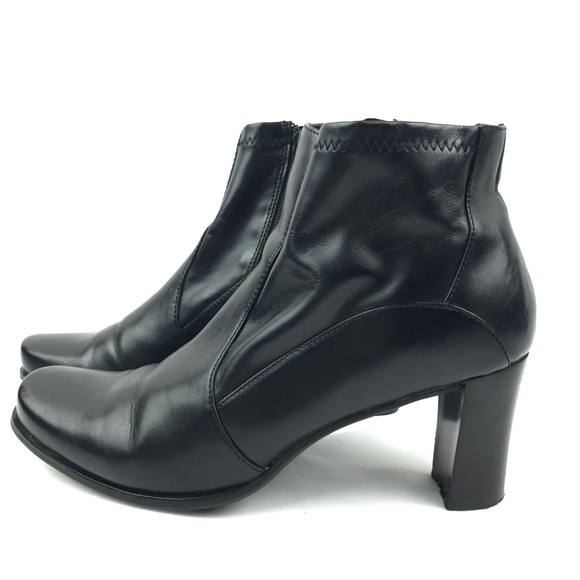 e1c246342ca Etienne Aigner Black Dolly Block Heel Bootie 10W